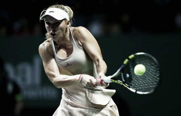 Sharapova se topa con el muro de Wozniacki