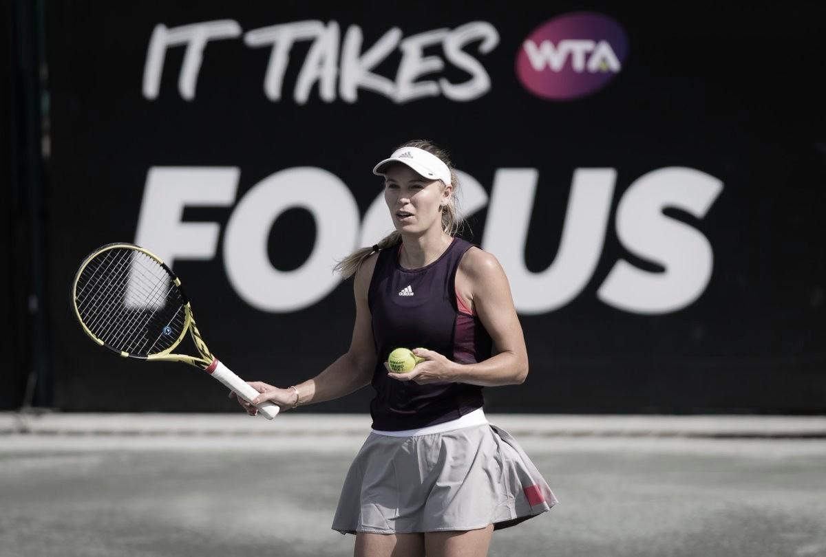 Wozniacki supera jogo duro contra Buzarnescu e segue às quartas em Charleston