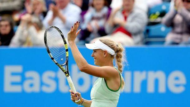 WTA Eastbourne: Radwanska e Wozniacki a passo di carica