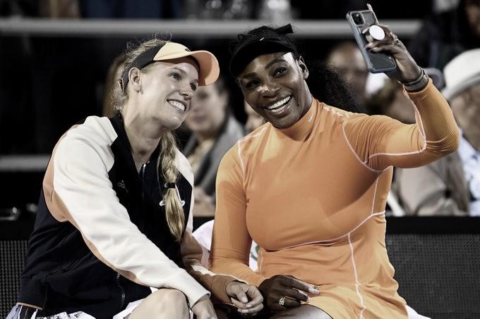 """Perto de se aposentar, Wozniacki se emociona após vice em Auckland: """"É raro me divertir assim"""""""
