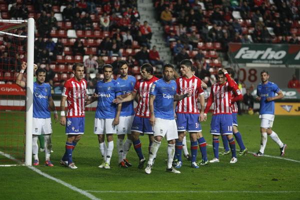 Bilic inclina la balanza y el Sporting vence en el Molinón