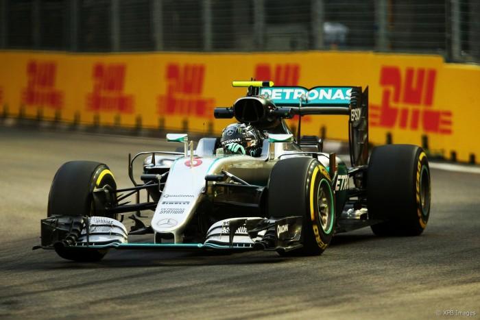 Rosberg dita ritmo no segundo treino livre em Singapura