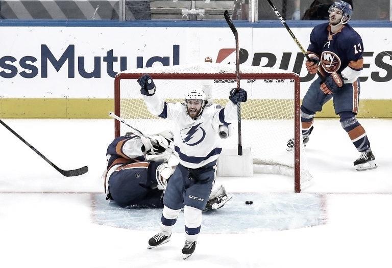 Tampa Bay a una victoria de la final de la Stanley Cup