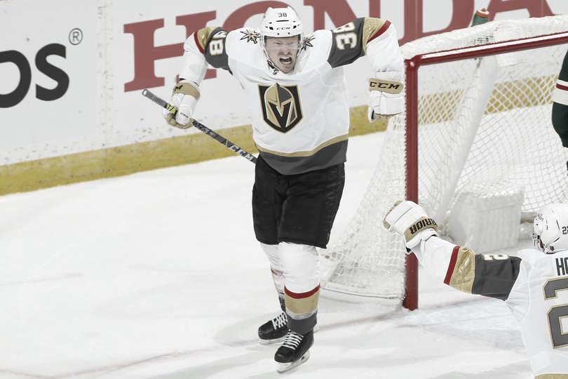 Las Vegas remonta para derrotar 5-2 al Wild y tomar ventaja de 2-1