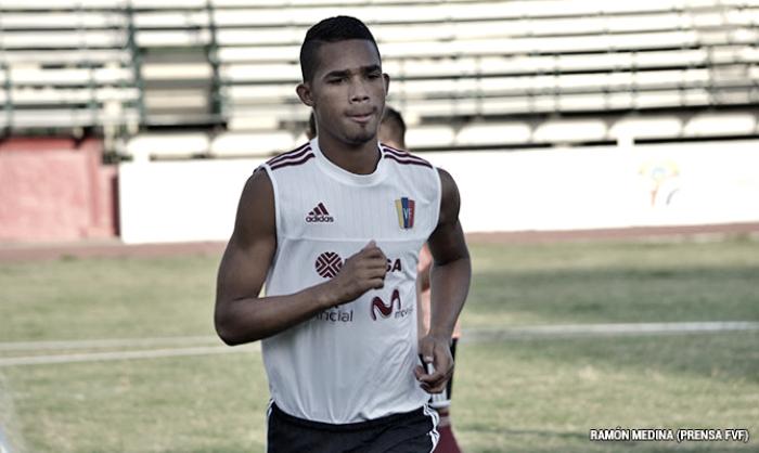 Manchester City ficha al venezolano Yangel Herrera
