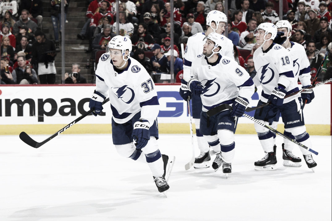 Tampa Bay Lightning set multiple records in 6-3 win over Chicago Blackhawks