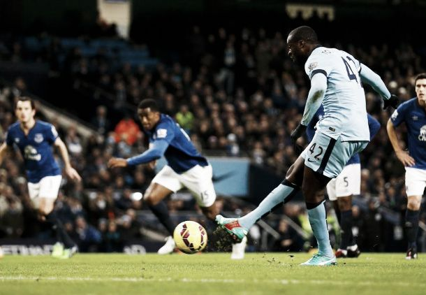 Manchester City 1-0 Everton: City close gap on Chelsea to three points with victory