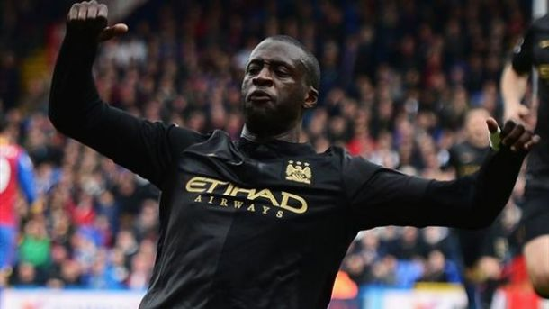 Il Man City avverte i Reds: super Touré, Palace battuto 2-0