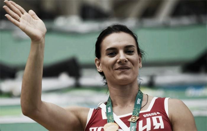 Multicampeã no salto com vara, russa Yelena Isinbayeva anuncia aposentadoria