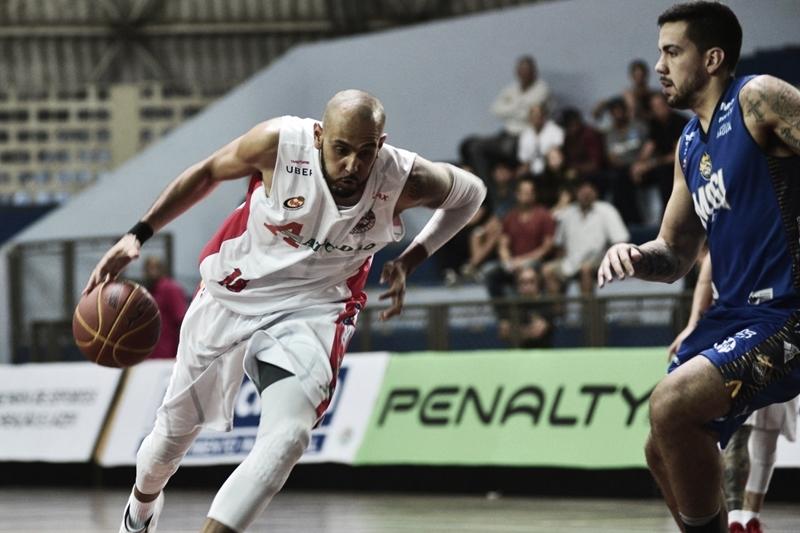 Basket Osasco anuncia renovação do contrato do ala-pivô Ygor