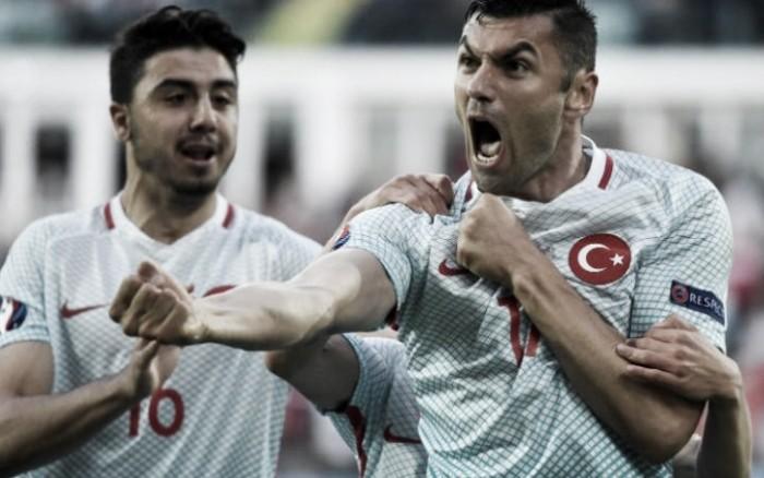 Yilmaz praises teammates as Turkey over power the Czech Republic