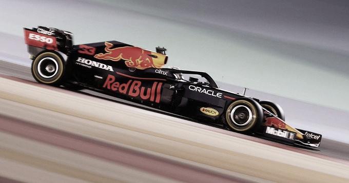 Verstappen, primero en Bahrein
