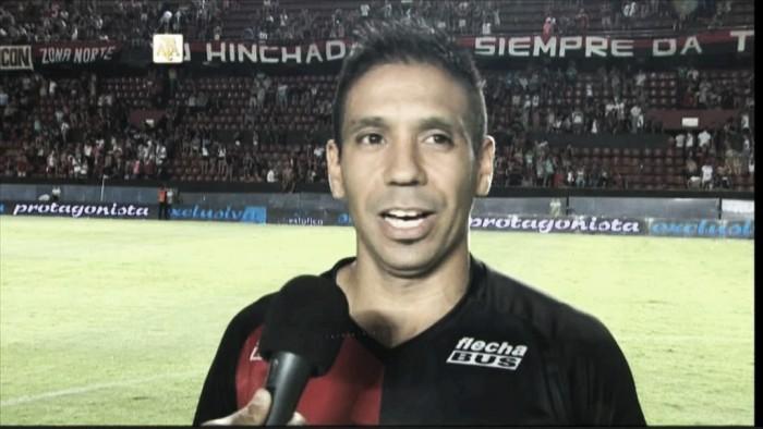 """Víctor Figueroa: """"Tenemos que ganar para llegar bien al clásico"""""""