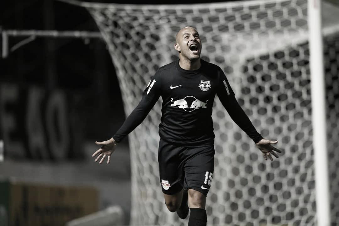 Ytalo marca três, e RB Bragantino derrota Palmeiras