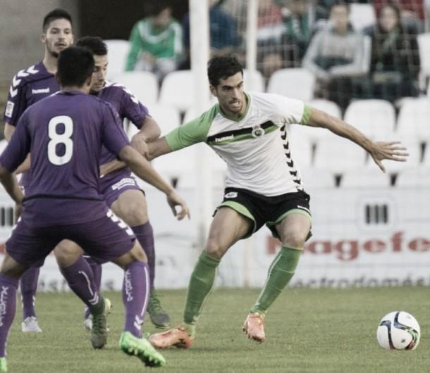Racing de Santander - Cacereño: una victoria para curar las heridas