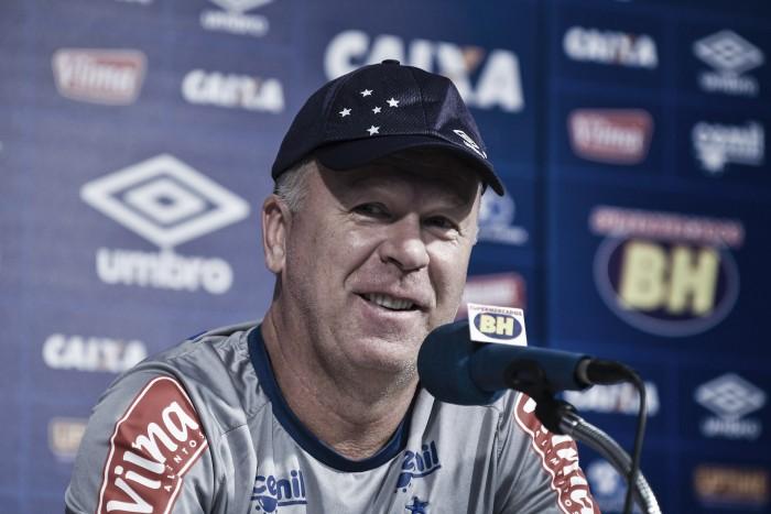 Cruzeiro vence América-MG e dorme na liderança do Campeonato