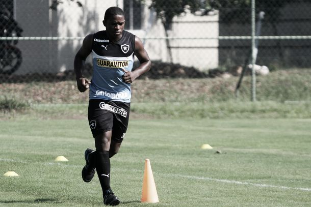 Yuri Mamute aposta nas suas principais características para se tornar titular do Botafogo