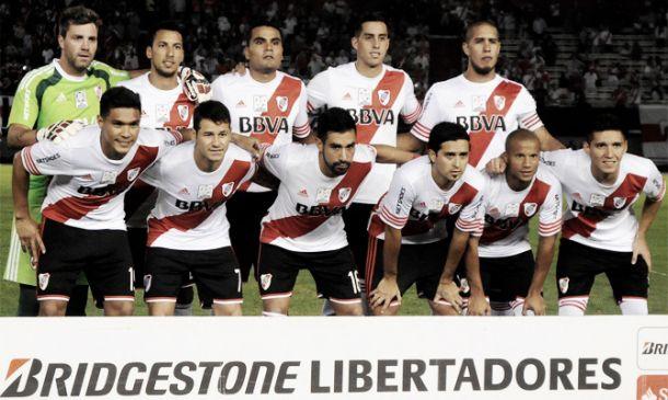 River 1 - Tigres 1: jugadores millonarios