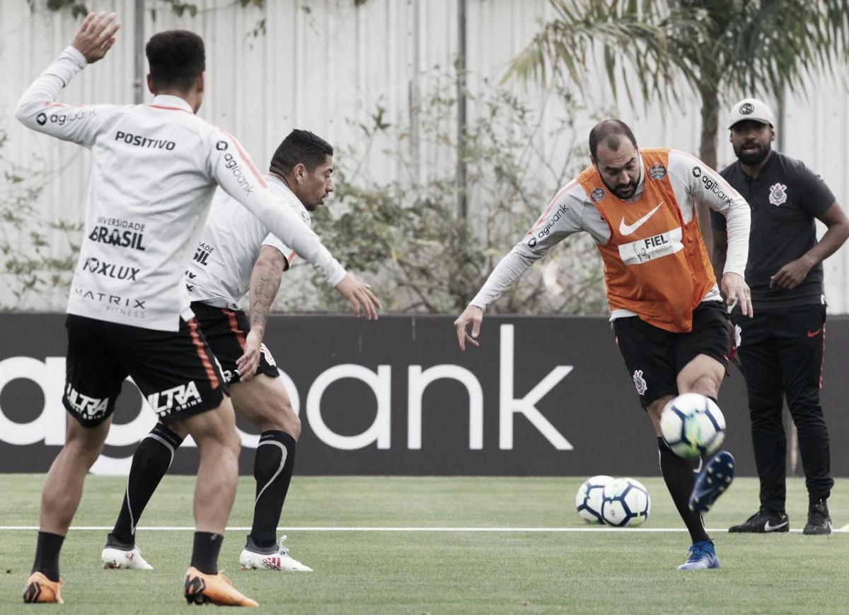 Embalado por sequência positiva, Corinthians recebe Chapecoense pelas quartas da Copa do Brasil