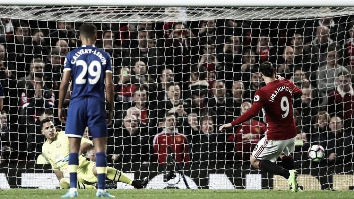 Premier League, un rigore di Ibra salva lo United contro l'Everton (1-1)