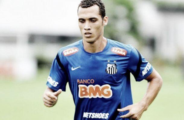 Chapecoense confirma contratação de zagueiro Neto, ex-Santos