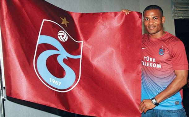 Malouda acerta com clube turco