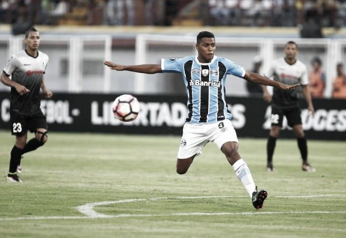Grêmio recebe Zamora para confirmar classificação e primeiro lugar do Grupo 8