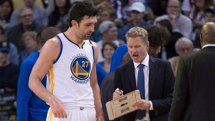 NBA - Sollievo Warriors, il tallone di Pachulia non è grave; Kerr viaggerà con la squadra per gara 3