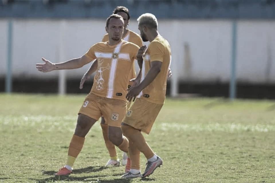 Zé Love exalta pela disputa de maior goleador na temporada e projeta acesso com Brasiliense