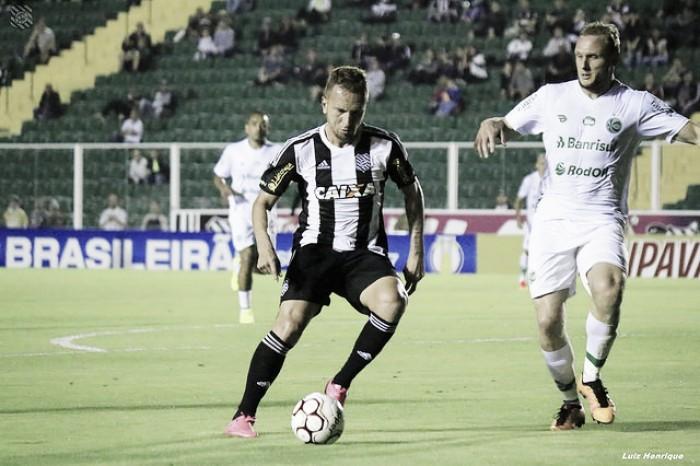 """Zé Love lamenta novo tropeço do Figueirense: """"Tentamos bastante, mas a vitória não veio"""""""