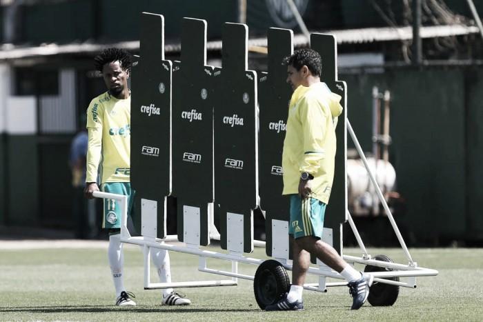 Cuca mantém mistério sobre escalação para duelo de ida diante do Grêmio