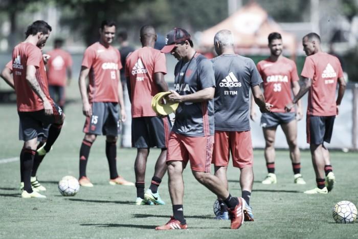 Flamengo faz último treino visando Figueirense e Zé Ricardo indica time ofensivo