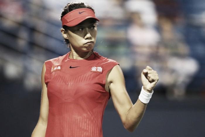 Zhang apabulla a Kvitova y avanza de ronda