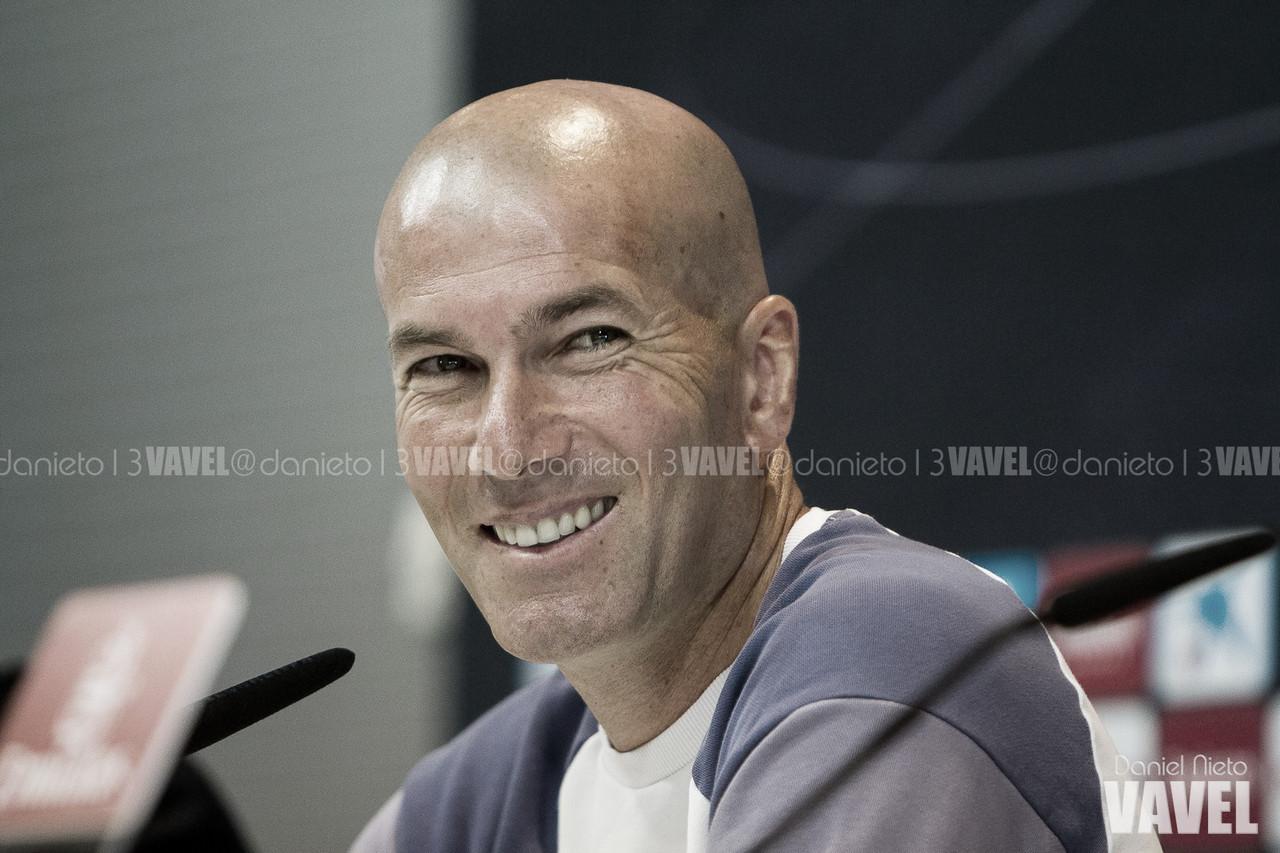 """Zidane: """"No vamos a arriesgar con Benzema"""""""
