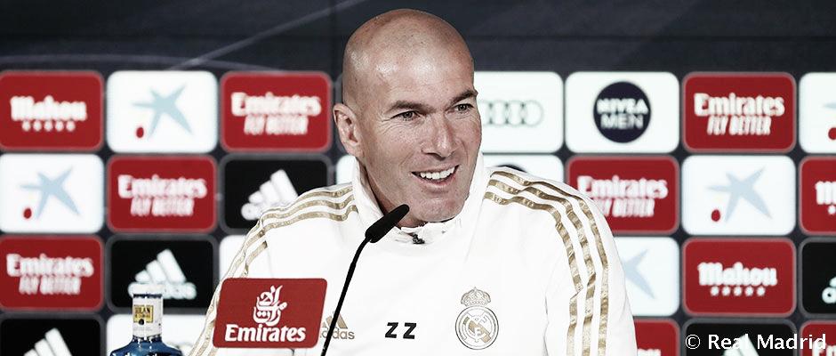 """Zinedine Zidane: """"Tengo 25 titulares y en cada partido tenemos que elegir"""""""