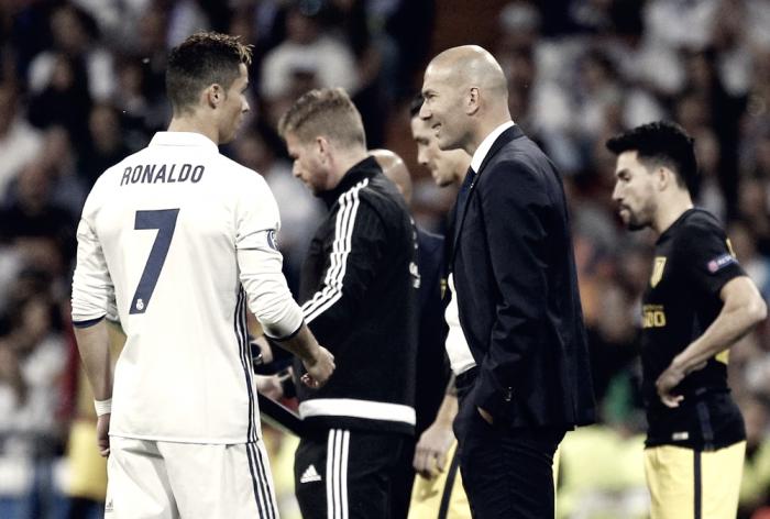 """Real Madrid, Zidane e Ronaldo in coro dopo il 3-0 all'Atletico: """"C'è ancora il ritorno"""""""