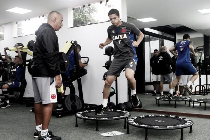 Após atraso liberado pelo Vasco, Anderson Martins inicia pré-temporada