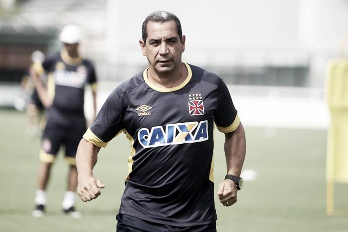 """Zinho comenta efusiva comemoração: """"Estou vestindo a camisa do Vasco da Gama"""""""