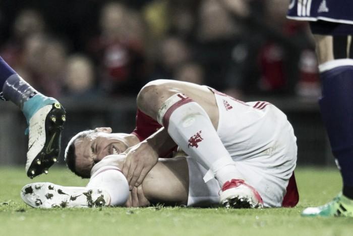 La grave lesión de rodilla pone en duda el futuro de Ibrahimovic