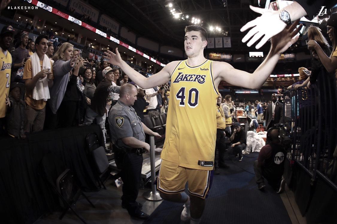 Lakers abren espacio y se avecina la posible llegada de Carmelo