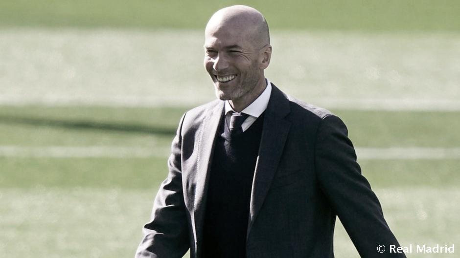 """Zidane: """"Lo que ha hecho hoy Benzema con sus compañeros es espectacular"""""""