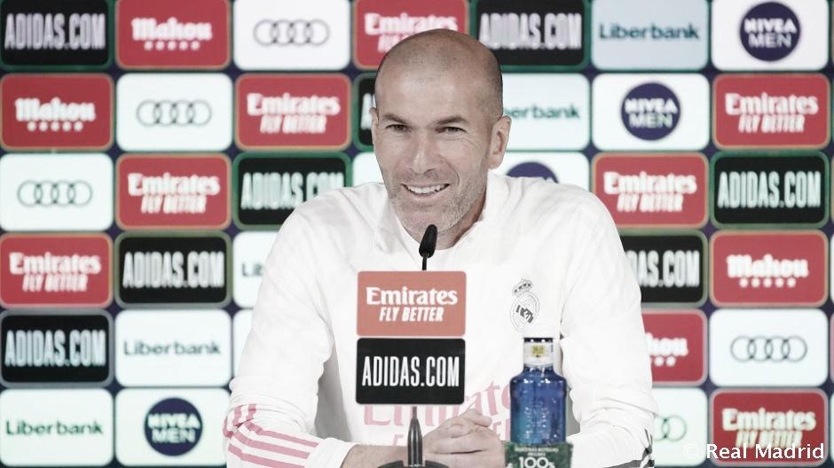 """Zidane: """"El VAR ha hecho mejorar el fútbol, pero se tienen que aclarar las cosas en jugadas concretas"""""""