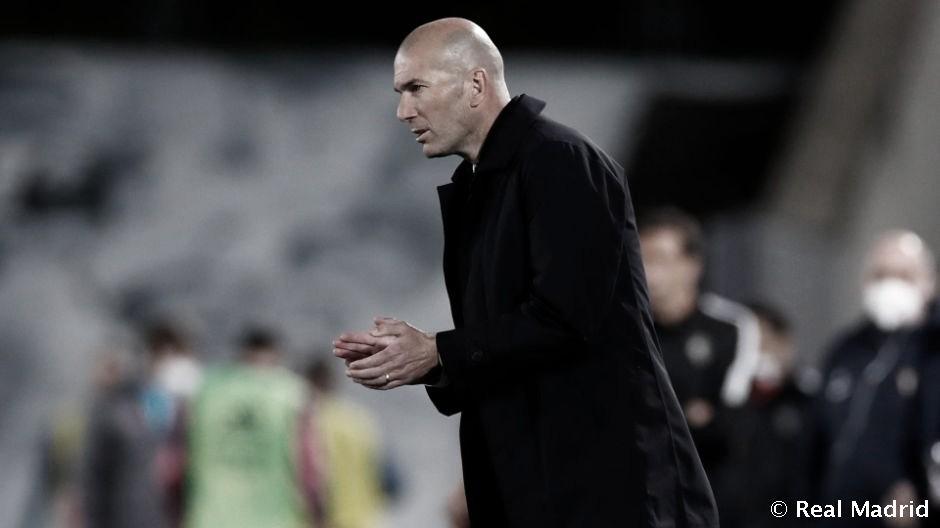 """Zidane: """"Estoy un poco enfadado, me tienen que explicar las reglas de las manos"""""""